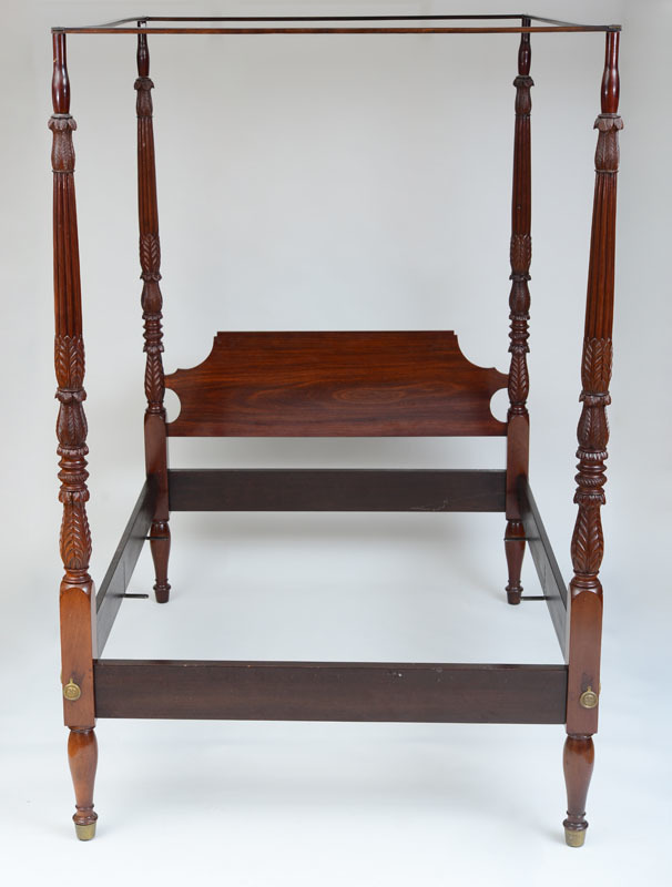 FEDERAL CARVED MAHOGANY FOUR-POST BEDSTEAD, POSSIBLY NEW YORK