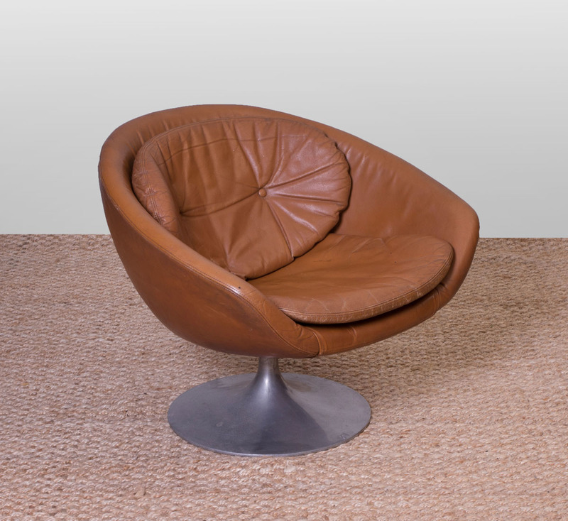 OVERMAN ALUMINUM AND LEATHER SWIVEL POD CHAIR