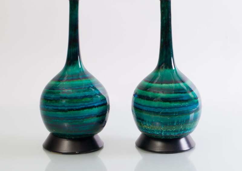 PAIR OF ENAMELED COMPOSITE TABLE LAMPS