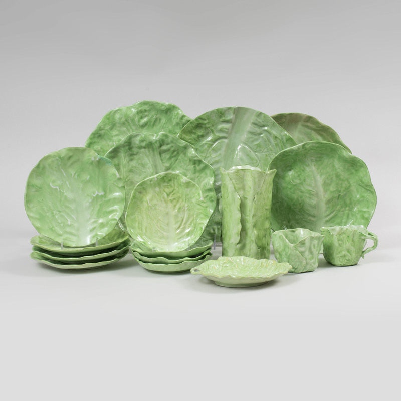 Assembled Green Glazed Porcelain 'Lettuce' Service