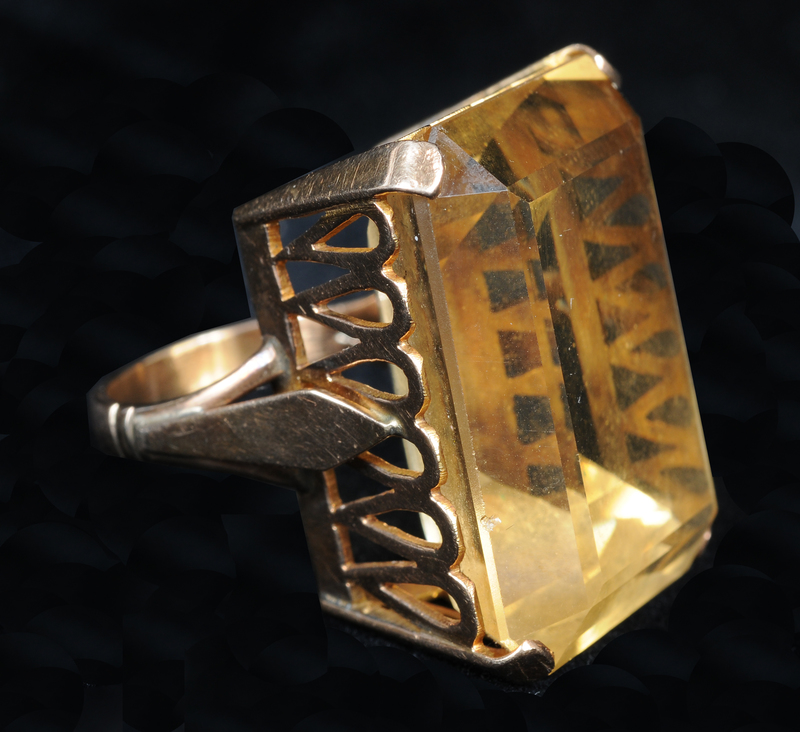 RETRO COCKTAIL RING