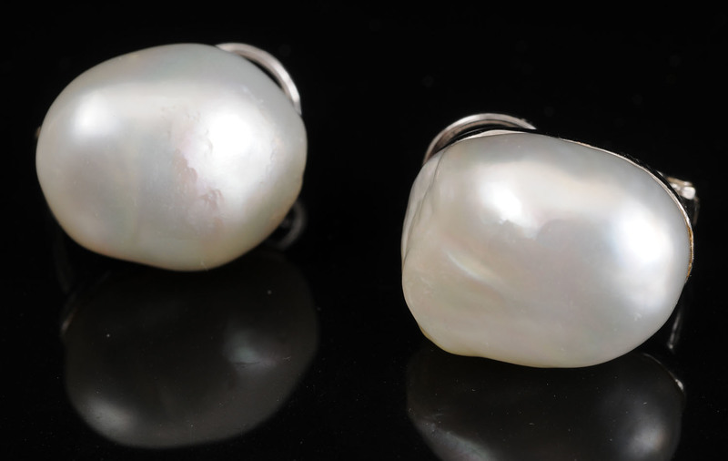 TWO PAIRS OF GOLD AND PEARL EARRINGS