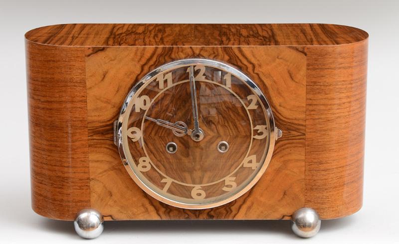 KEININGER WALNUT VENEERED MANTEL CLOCK, 1930'S