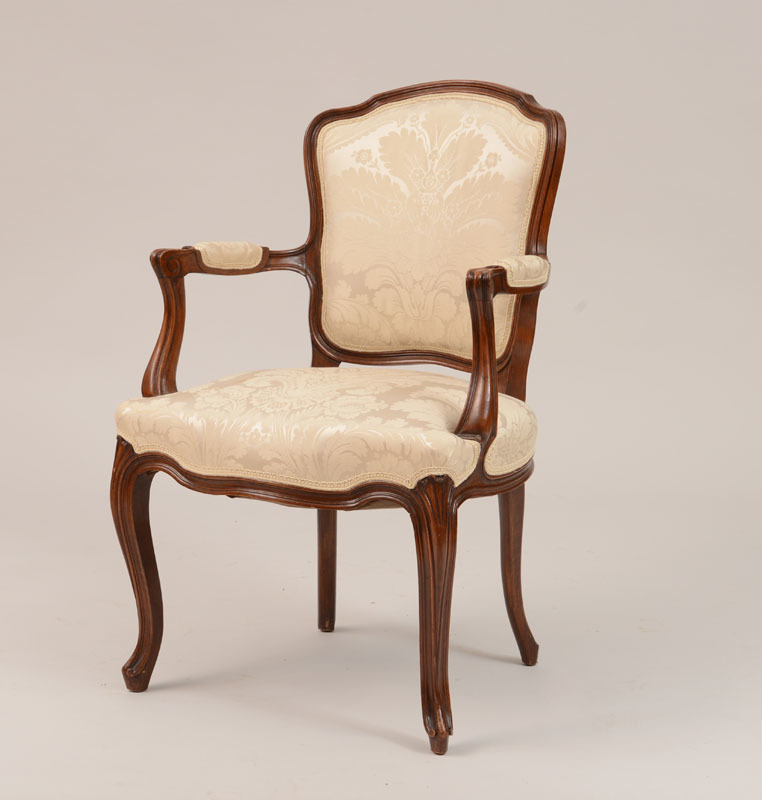 Louis XV Style Stained Beechwood Fauteuil en Cabriolet