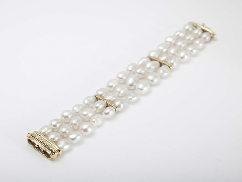 18K GOLD AND FRESHWATER PEARL BRACELET