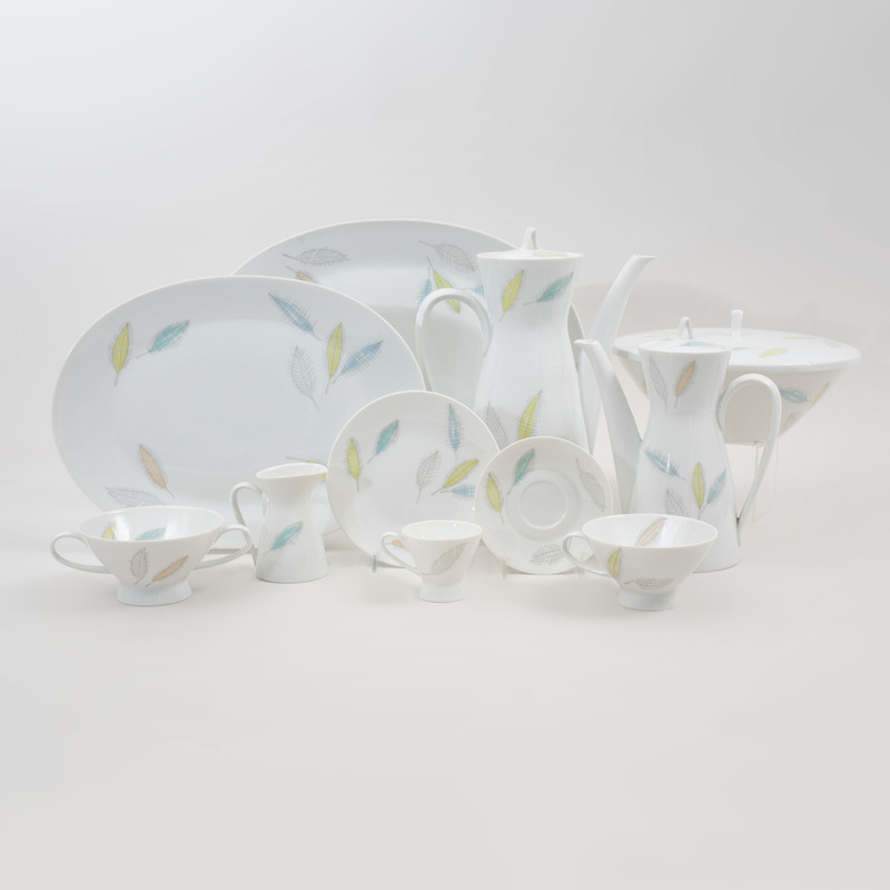 Raymond Loewy Porcelain Part Service in the 'Bunte Blatter' Pattern, for Rosenthal