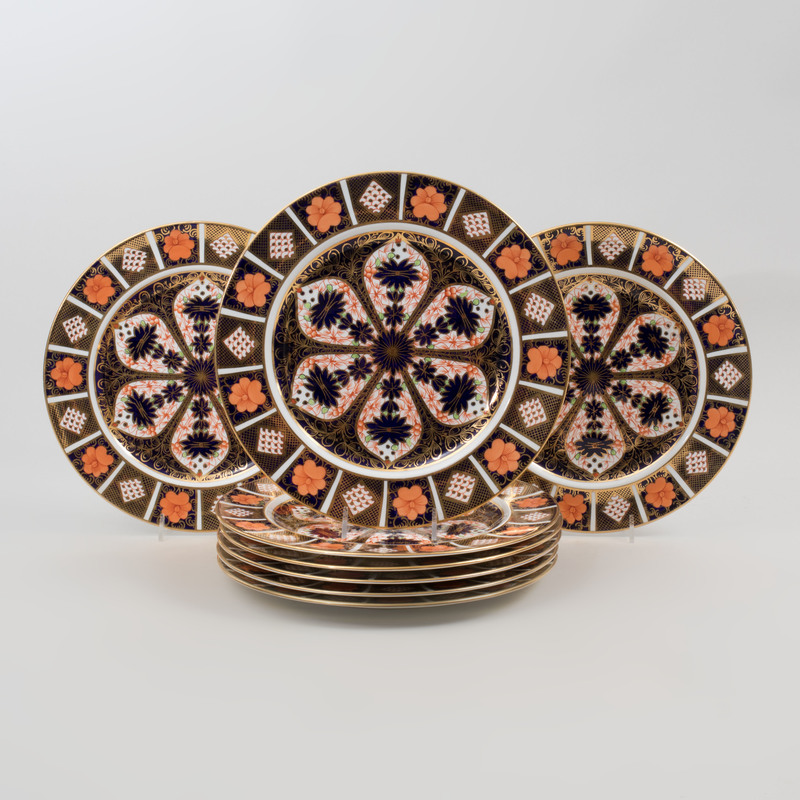 Set of Eight Royal Crown Derby Transfer Printed and Gilt Decorated Dinner Plates in the 'Old Imari' Pattern