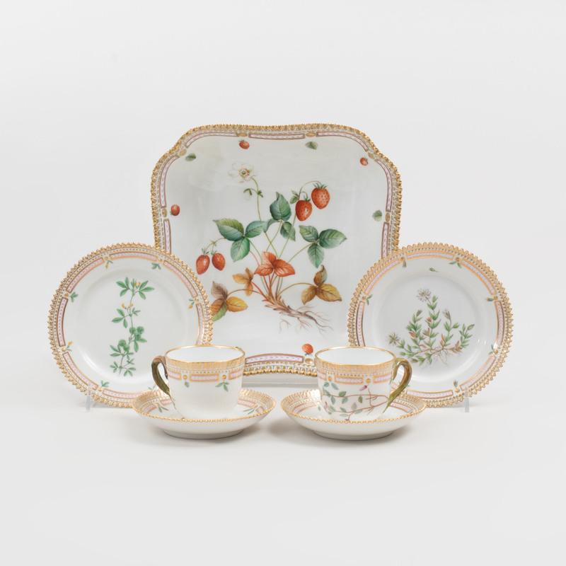 Royal Copenhagen Porcelain Part Service in the 'Flora Danica' Pattern