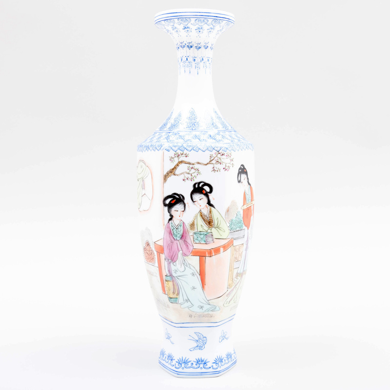 Chinese Eggshell Porcelain Hexagonal Vase with Beauties in Pursuits