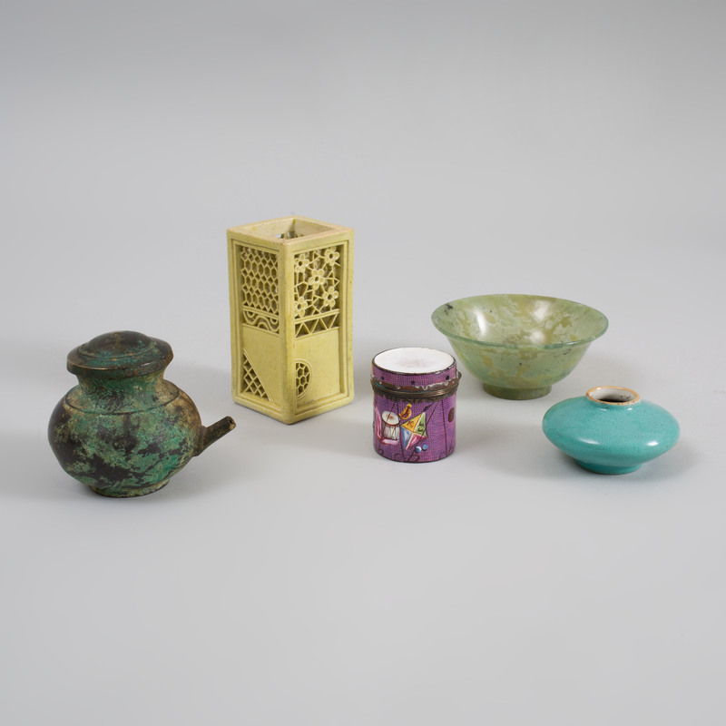 Group of Four Chinese Small Table Articles and a George III Enamel Drum Form Snuff Box