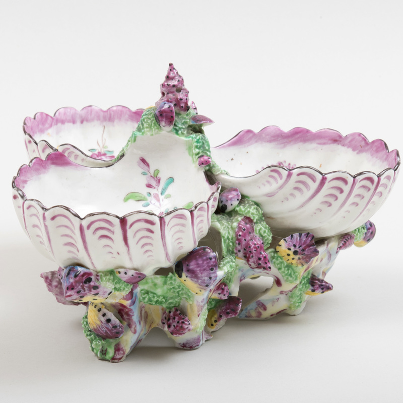 Bow Porcelain Scallop Form Sweetmeat Dish