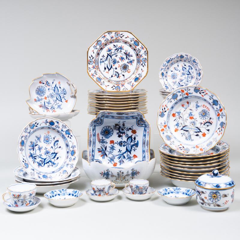 Meissen Porcelain Part Service in the 'Blue Onion Rich' Pattern