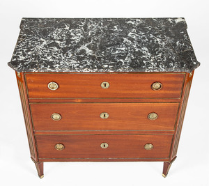GERMAN NEOCLASSICAL BRASS-MOUNTED MAHOGANY COMMODE, POSSIBLY BALTIC