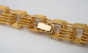 18K GOLD BOX LINK NECKLACE