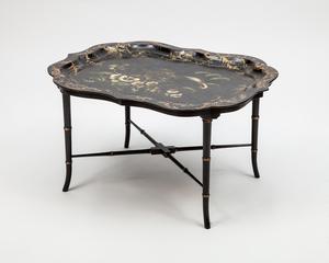 Victorian Black Painted and Parcel-Gilt Papier Mâché Tray