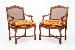 Pair of Régence Carved Beechwood Fauteuils à la Reine