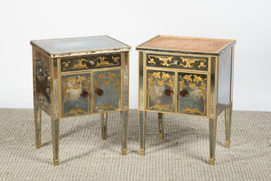 PAIR OF HOLLYWOOD REGENCY STYLE MIRRORED NIGHTSTANDS