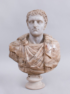 ITALIAN CARVED MARBLE AND ALABASTER BUST OF AN EMPEROR