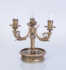 LOUIS XVI STYLE GILT-METAL THREE-LIGHT BOUILLOTTE LAMP