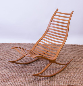 ROBIN WILLIAMS LAMINATED OAK 'WISHBONE' ROCKING CHAIR
