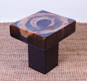 BLACK GLAZED CERAMIC SIDE TABLE WITH METAL BASE