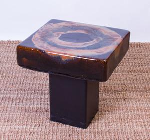 BLACK GLAZED CERAMIC SIDE TABLE WITH METAL BASE