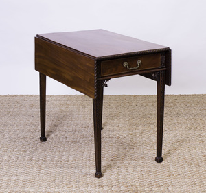 GEORGE III MAHOGANY PEMBROKE TABLE