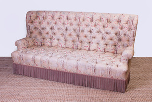 VICTORIAN STYLE TUFTED UPHOLSTERED WINGBACK SOFA