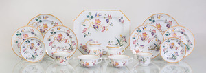 WEDGWOOD TRANSFER-PRINTED POTTERY PART SERVICE IN THE 'DEVON ROSE' PATTERN