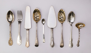 PAIR OF GEORGE III SILVER FRUIT SPOONS