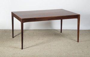 ROSEWOOD GRAINED LAMINATE DINING TABLE, MODERN