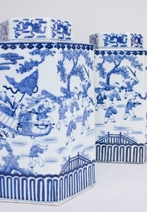 NEAR PAIR OF CHINESE HEXAGONAL BLUE AND WHITE PORCELAIN JARS AND COVERS