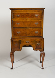 QUEEN ANNE STYLE MAHOGANY CHEST ON STAND