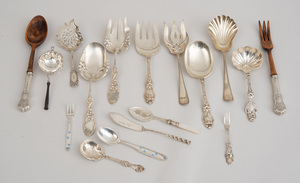 REED AND BARTON 140-PIECE SILVER FLATWARE SERVICE, IN THE FRANCIS I PATTERN