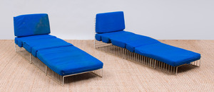 PAIR OF COATED-IRON WIRE CAGE CHAISE LOUNGE PATIO CHAIRS, IN THE STYLE OF RICHARD SCHULTZ