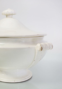 CREAMWARE OVAL TWO-HANDLED TUREEN AND COVER