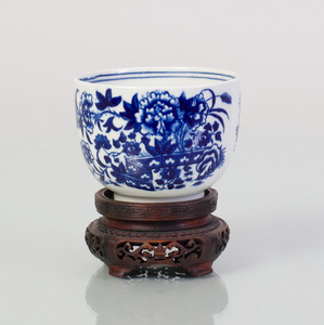 Caughley Blue and White Porcelain Cup