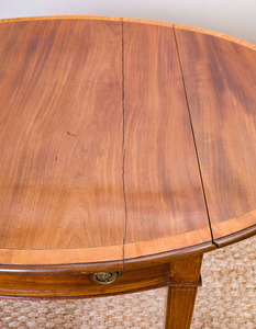GEORGE III MAHOGANY AND SATINWOOD INLAID PEMBROKE TABLE