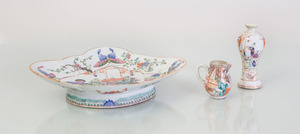 GROUP OF CHINESE EXPORT PORCELAIN TABLE ARTICLES