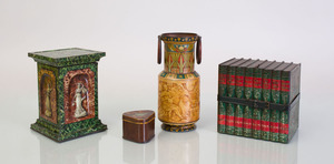 GROUP OF THREE PRINTED BISCUIT TINS FOR HUNTLEY & PALMERS BISCUITS