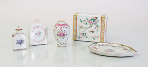 GROUP OF CHINESE EXPORT PORCELAIN WARE