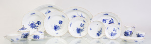 ROYAL COPENHAGEN PORCELAIN PART DINNER SERVICE IN THE 'BLUE FLOWERS' PATTERN