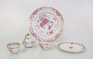 GROUP OF CHINESE EXPORT PORCELAIN