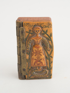 CONTINENTAL RELIEF-CARVED AND INCISED WOOD SNUFF BOX