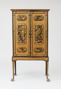 UNUSUAL CHINESE EXPORT BLACK LACQUER AND PARCEL-GILT CABINET ON STAND