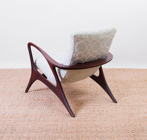 VLADIMIR KAGAN WALNUT 'CONTOUR' CHAIR