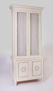 LOUIS XVI STYLE CREAM AND GREEN PAINTED BOOKCASE
