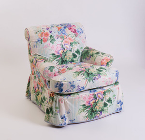 CHINTZ-UPHOLSTERED CLUB CHAIR