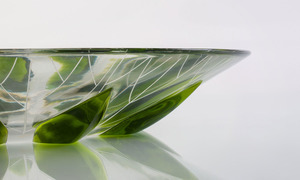 LALIQUE OVAL GLASS BOWL WITH LEAF DESIGN