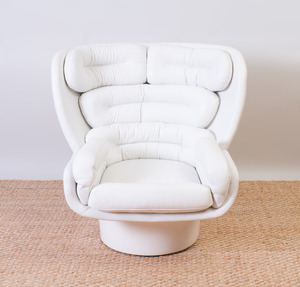 JOE COLOMBO BY COMFORT WHITE LEATHER AND FIBERGLASS 'ELDA' CHAIR FOR STENDIG